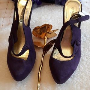 Wild Diva purple suede and gold heels Size 8.5